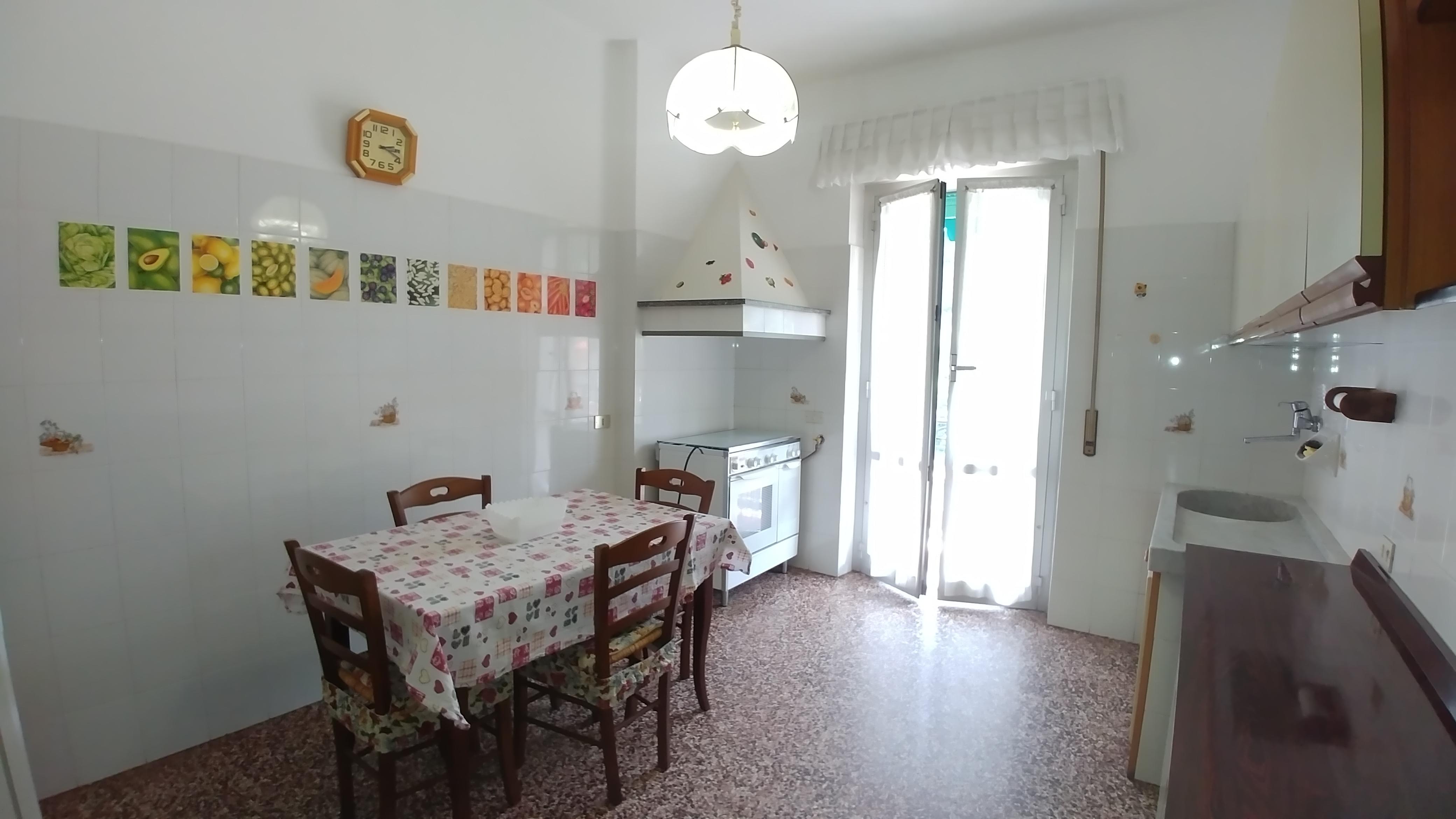 Appartamento arredato affitto bolzaneto mariella immobiliare for Affitto arredato genova