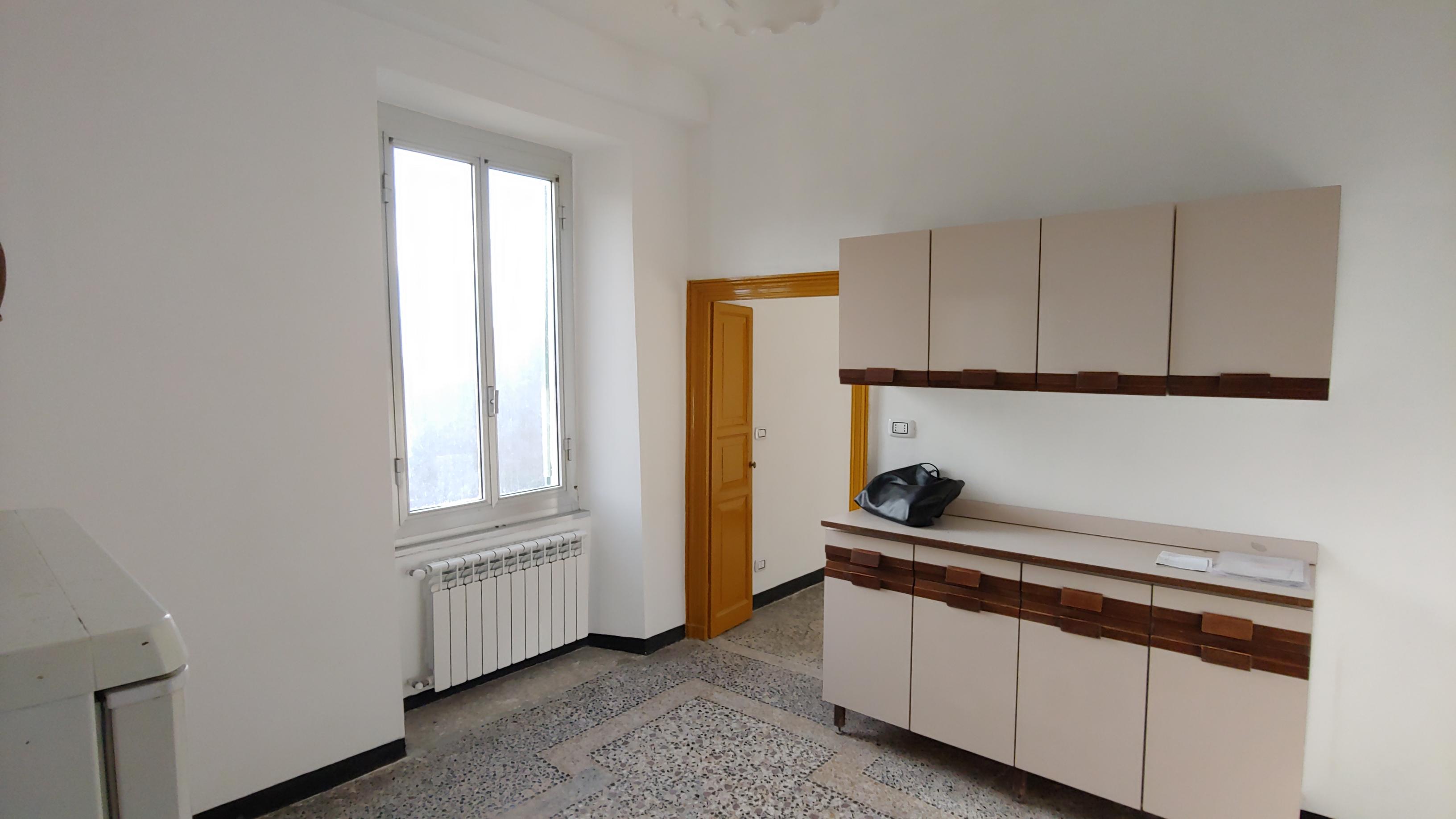 vendita appartamento trasta via ciambrini