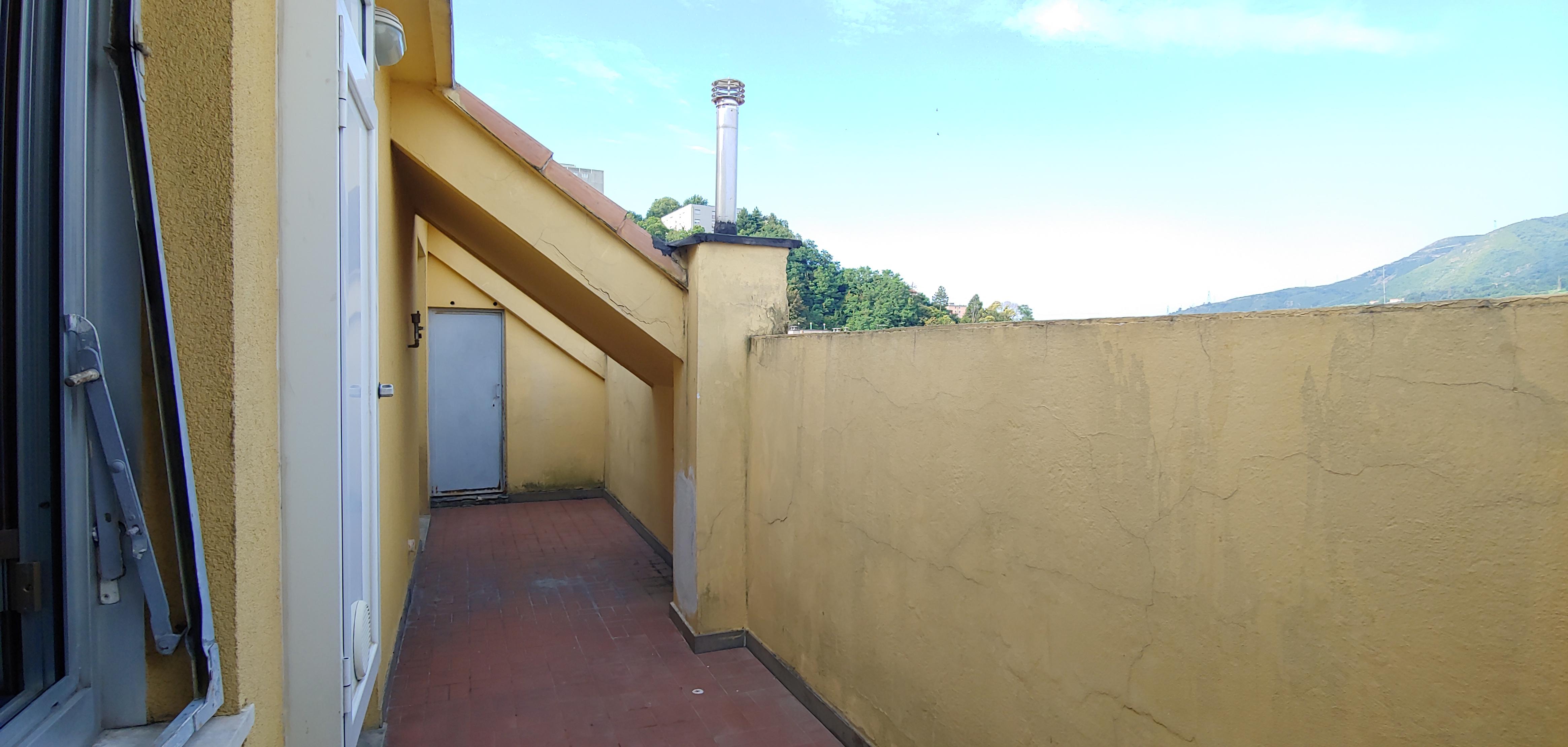 via zamperini vendita appartamento balcone