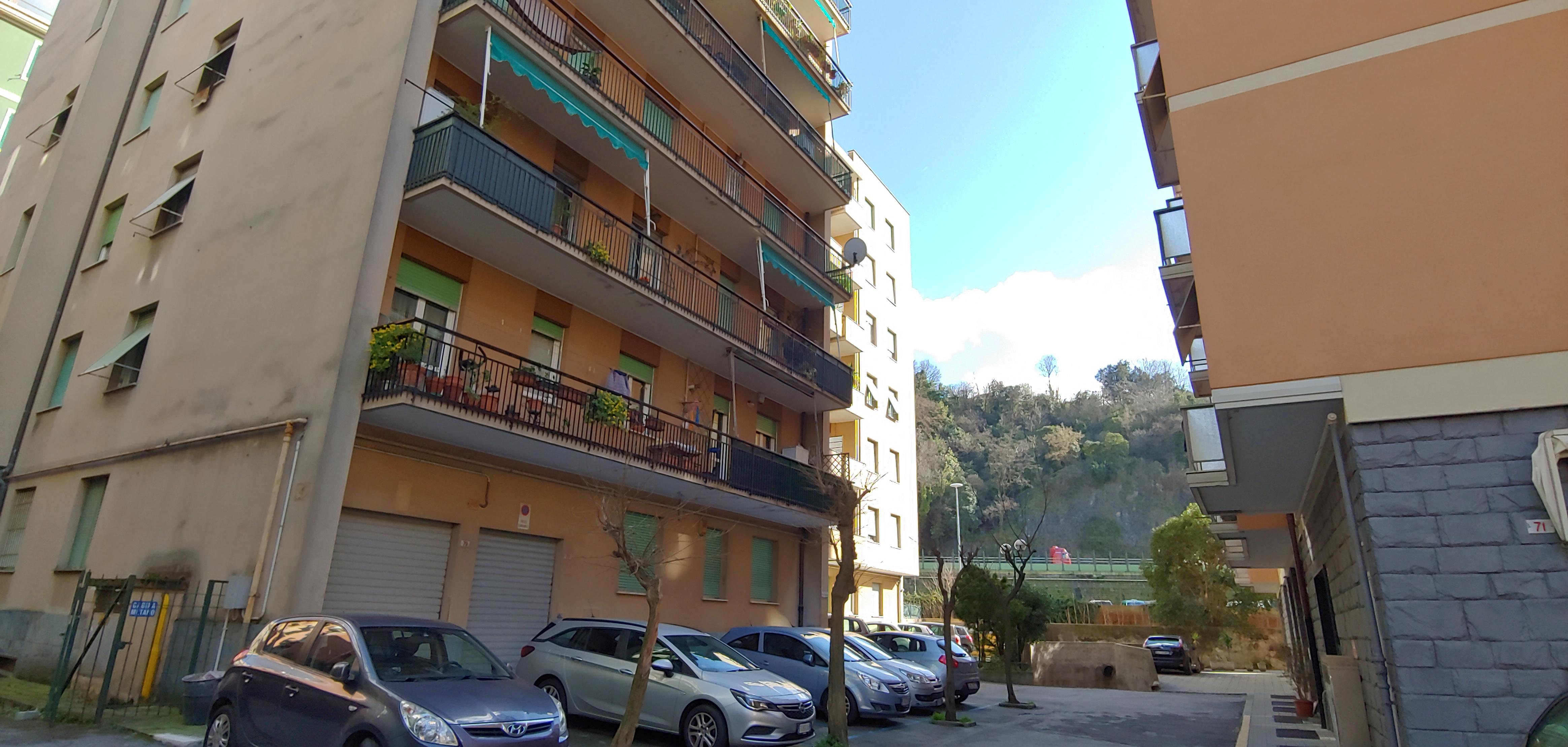 vendita appartamento bolzaneto via zamperini
