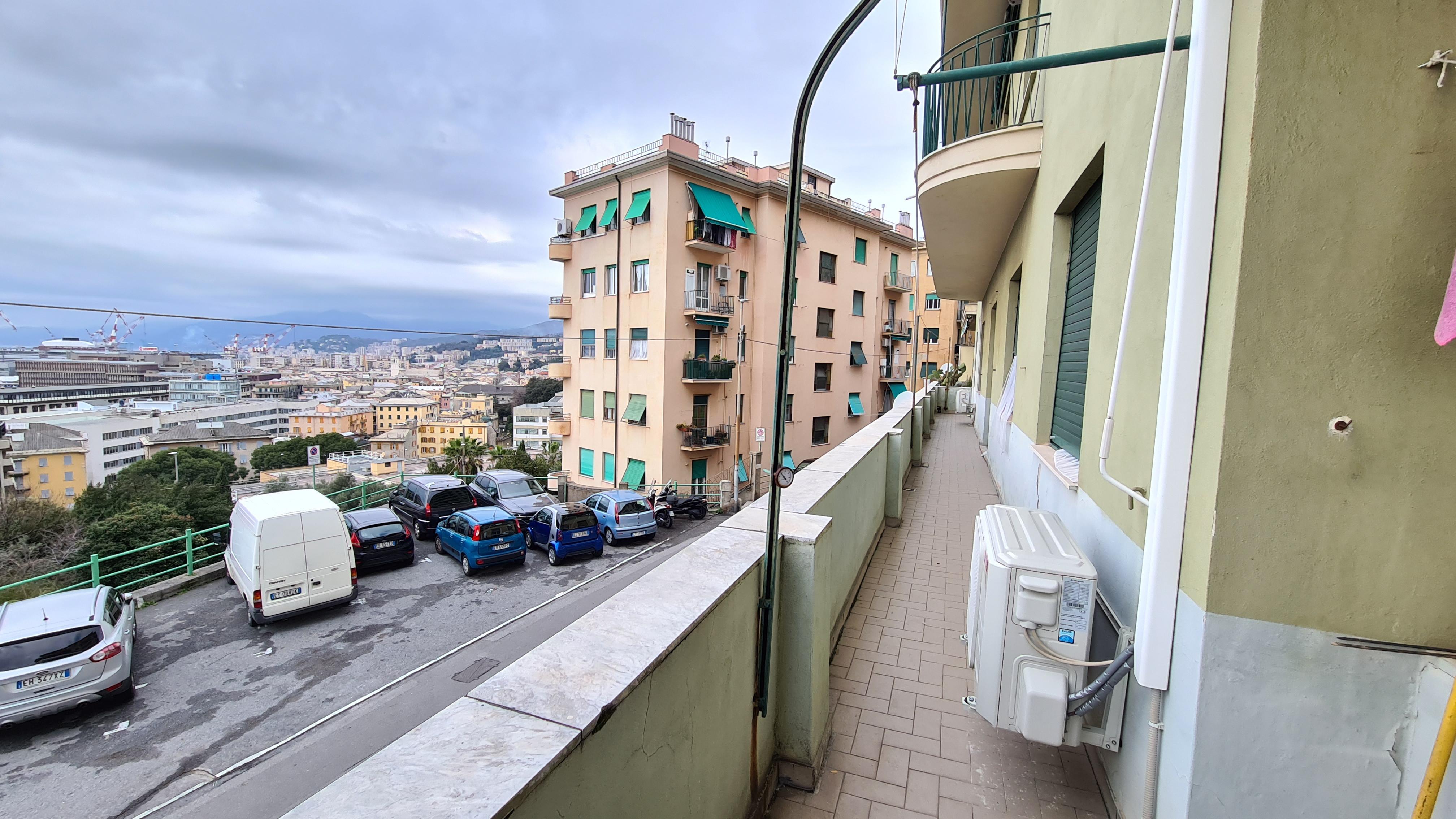 vendita appartamento via calda sestri